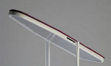 Een strijkplank en spiegel ineen!