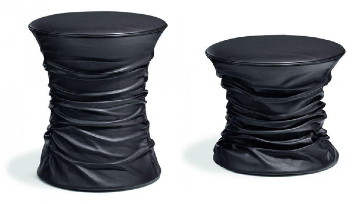Kruk met bijpassende tafel van Walter Knoll