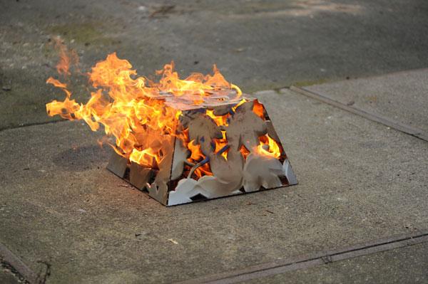Kampvuur grill voor in de tuin of als bijzettafel