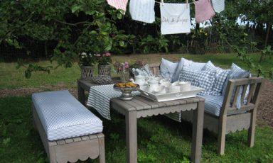 Romantische tuinmeubelen
