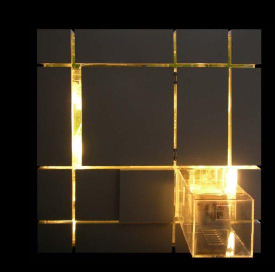 Multifunctionele kubus: opbergsysteem, verlichting en koffietafel