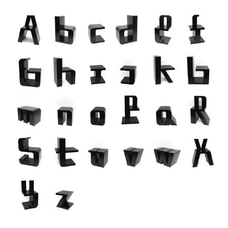 ABC alfabet stoelen van ontwerper Roeland Otten