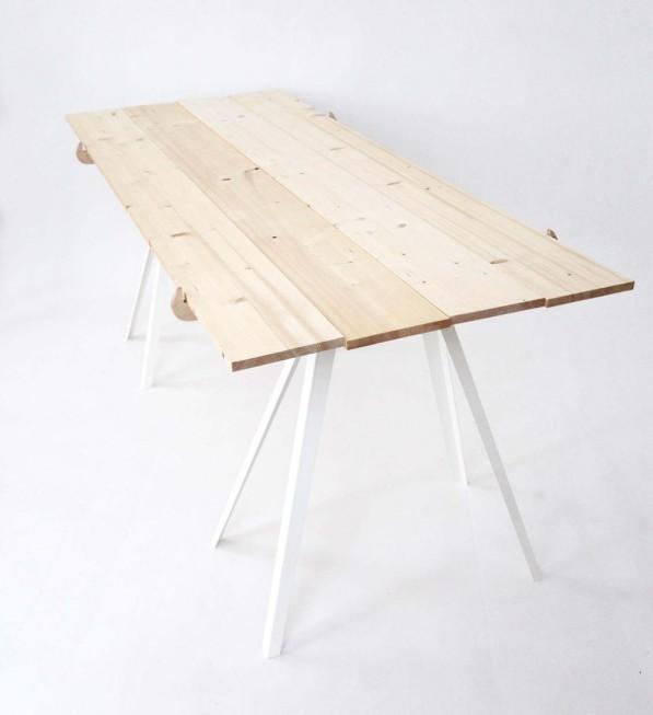 Toro tafel van hout
