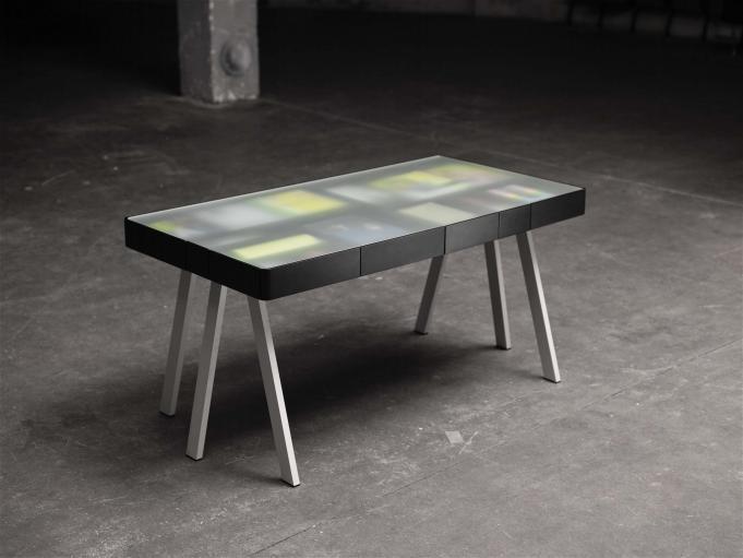MDF tafel met matglas