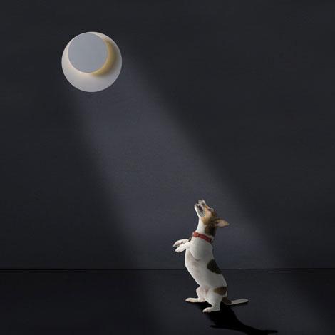 Decoratieve wandlamp Guau van ontwerper Arturo Alvarez