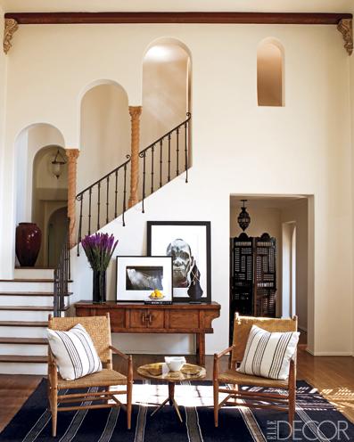 ellen pompeos woonkamer met spaanse trap