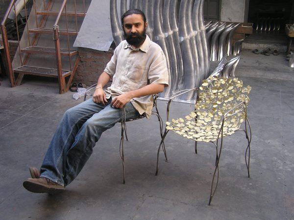 Phul stoel van de bejubelde Indiase ontwerper Mann Singh