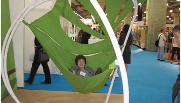 Rhizome stoel, een modern soort hangmat van FI Outdoor