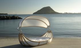Bed-Float-voor-binnen-en-buiten-gebruik-David-Trubridge-Nieuw-Zeeland