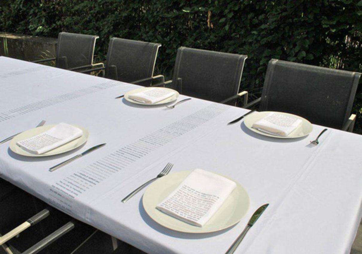 E(e)tiquette op tafel