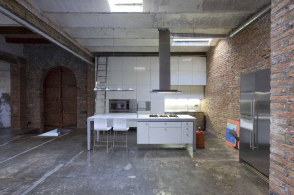 Industriële loft in hartje barcelona   gimmii dutch design