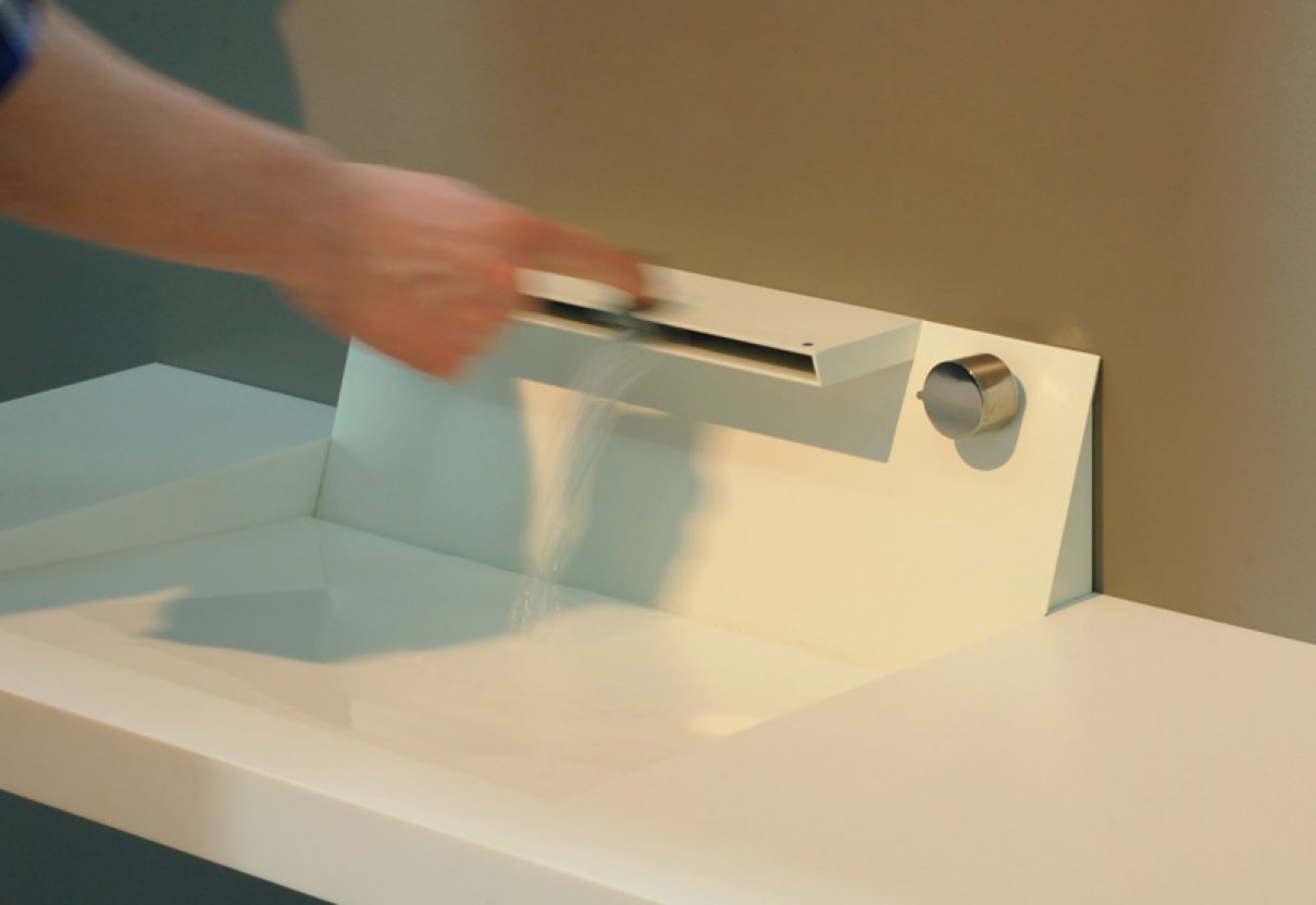 Aquamotion, een schuifbare badkamer mengkraan