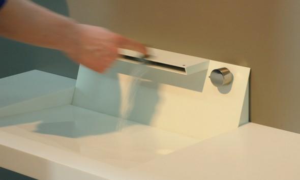 Aquamotion mixer tap