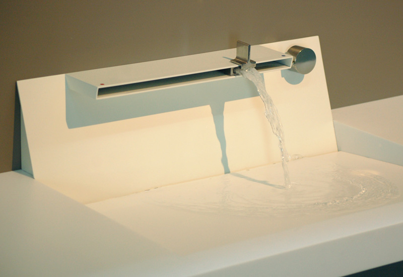 Aquamotion mixer tap