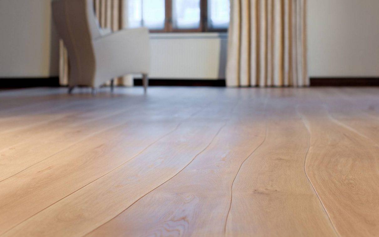 Bolefloor vloer met natuurlijk gewelfde planken