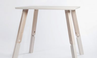 Bambi Table door Caroline Olsson