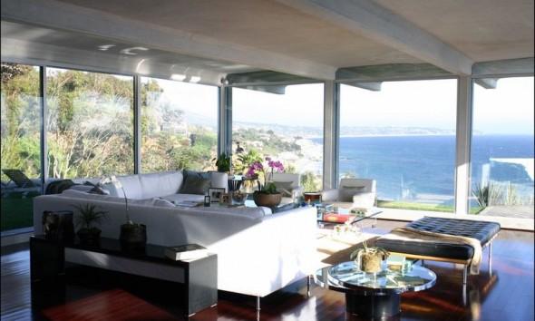huis-Brad-Pitt-Malibu-woonkamer-uitzicht