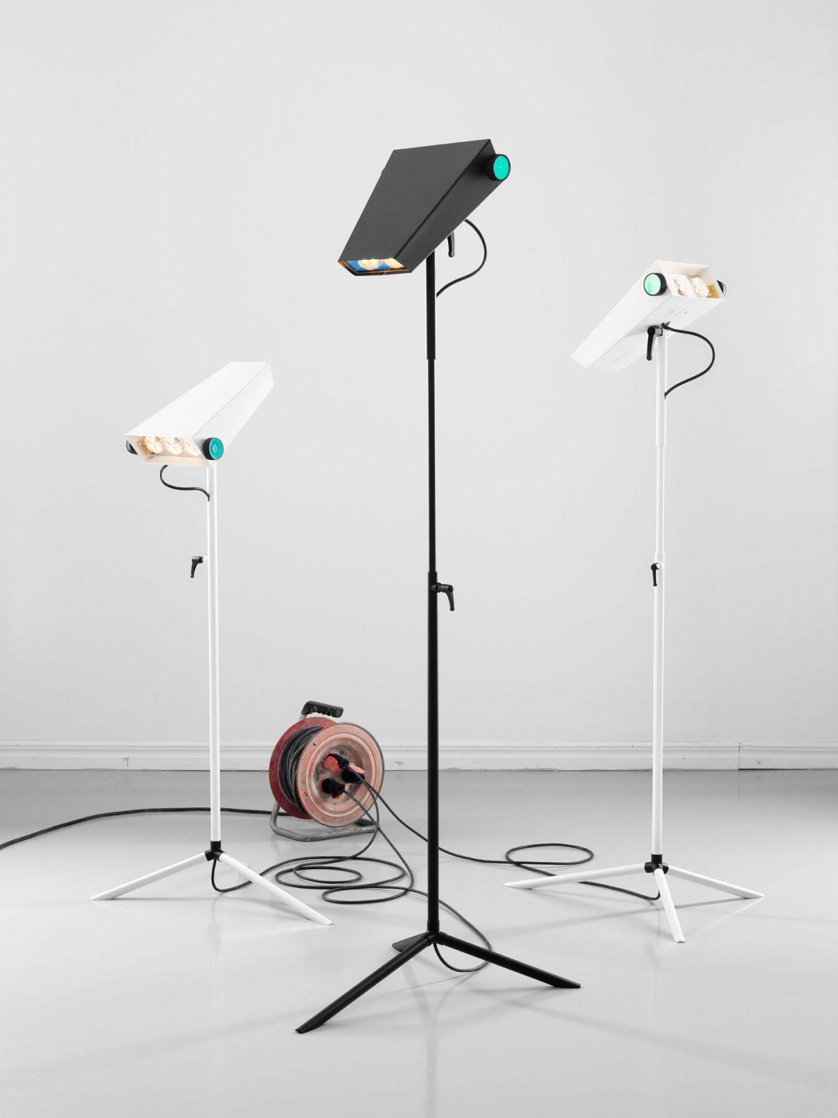 Futuristische robotlamp van Jangir Maddadi Design Bureau