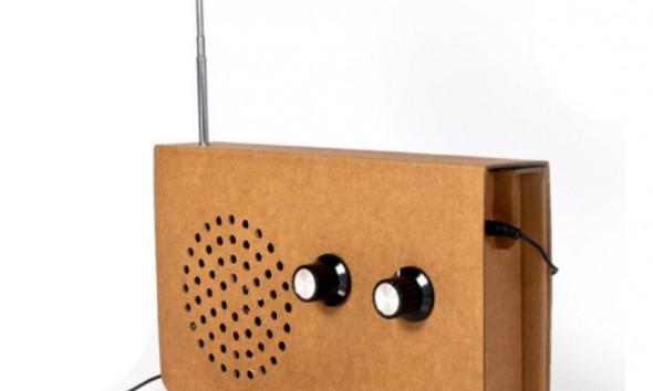 Karonnen-radio-met-iphone-van-Suck-Uk