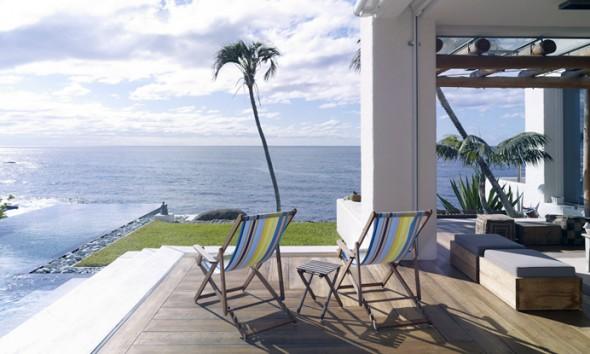 loungen-met-uitzicht-op-zee-in-coogee-strandhuis