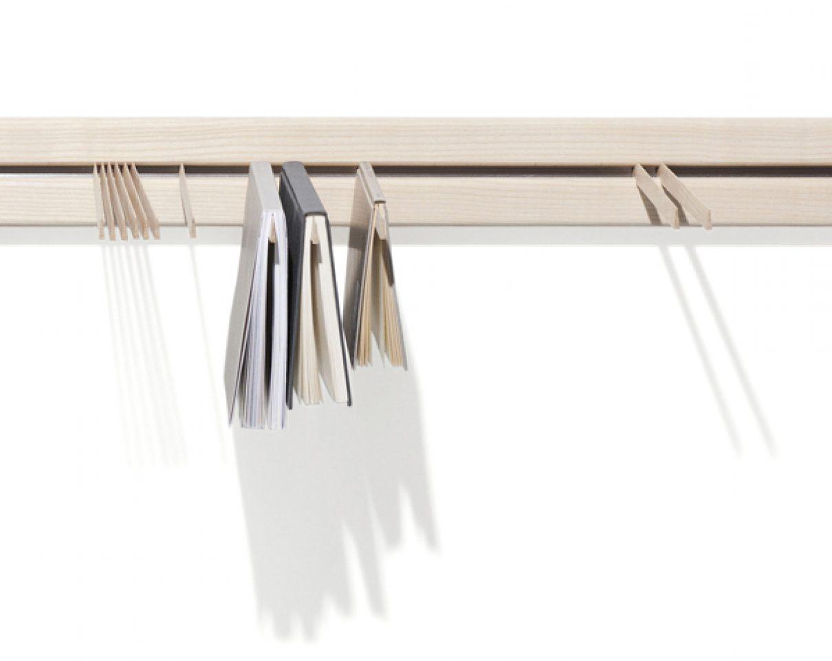 The Poet's Book Hanger van Jakob Jorgensen
