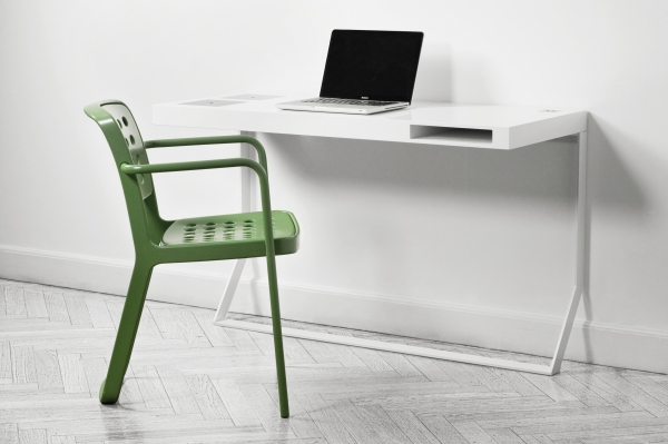mini milk bureau voor apple fanboys gimmii dutch design. Black Bedroom Furniture Sets. Home Design Ideas