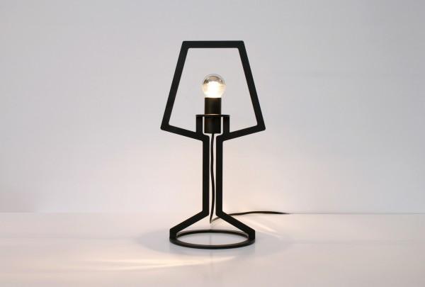 Outline tafellamp van Peter van de Water voor Gispen