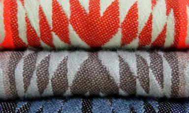 Kleurrijke grafische textielcollecties