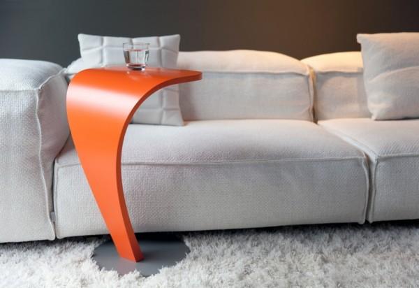 Cobra oranje bijzettafel van Odesi
