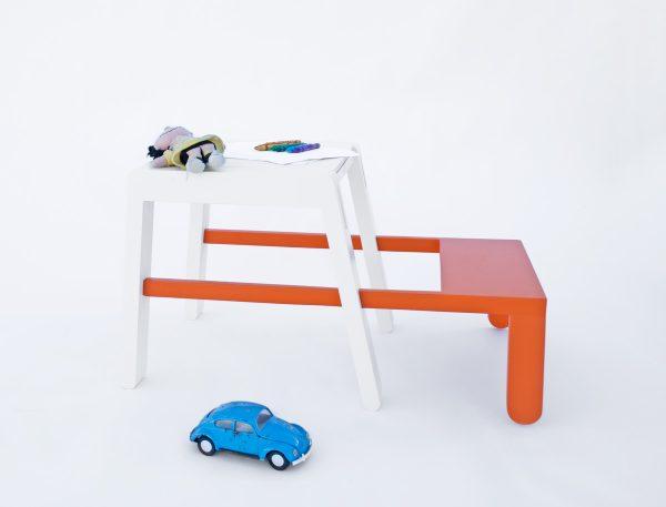 Superbambi superhelden tafel stoel nachtkastje en bureau van Scoop design