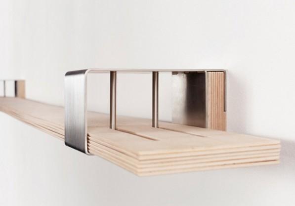Wandsysteem Chuck bestaat uit 6 planken op elkaar die flexibel openen