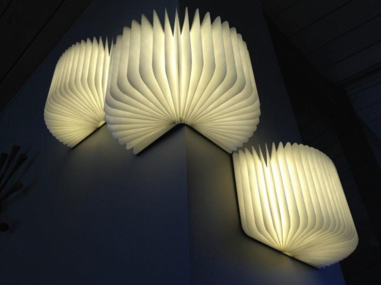 Openslaande boekenlamp