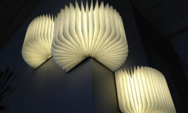 Openslaande boekenlamp