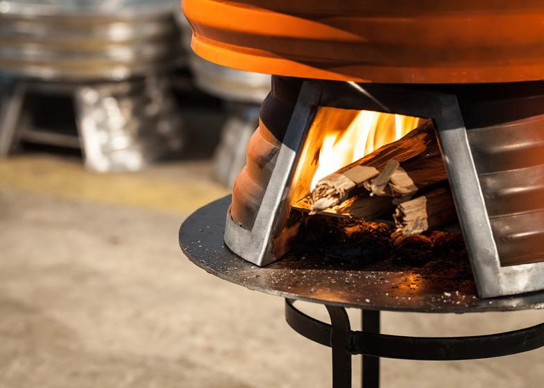 Houtbrande Baker Cookstove van Claesson Koivisto Rune is zuiniger en zorgt voor minder rook