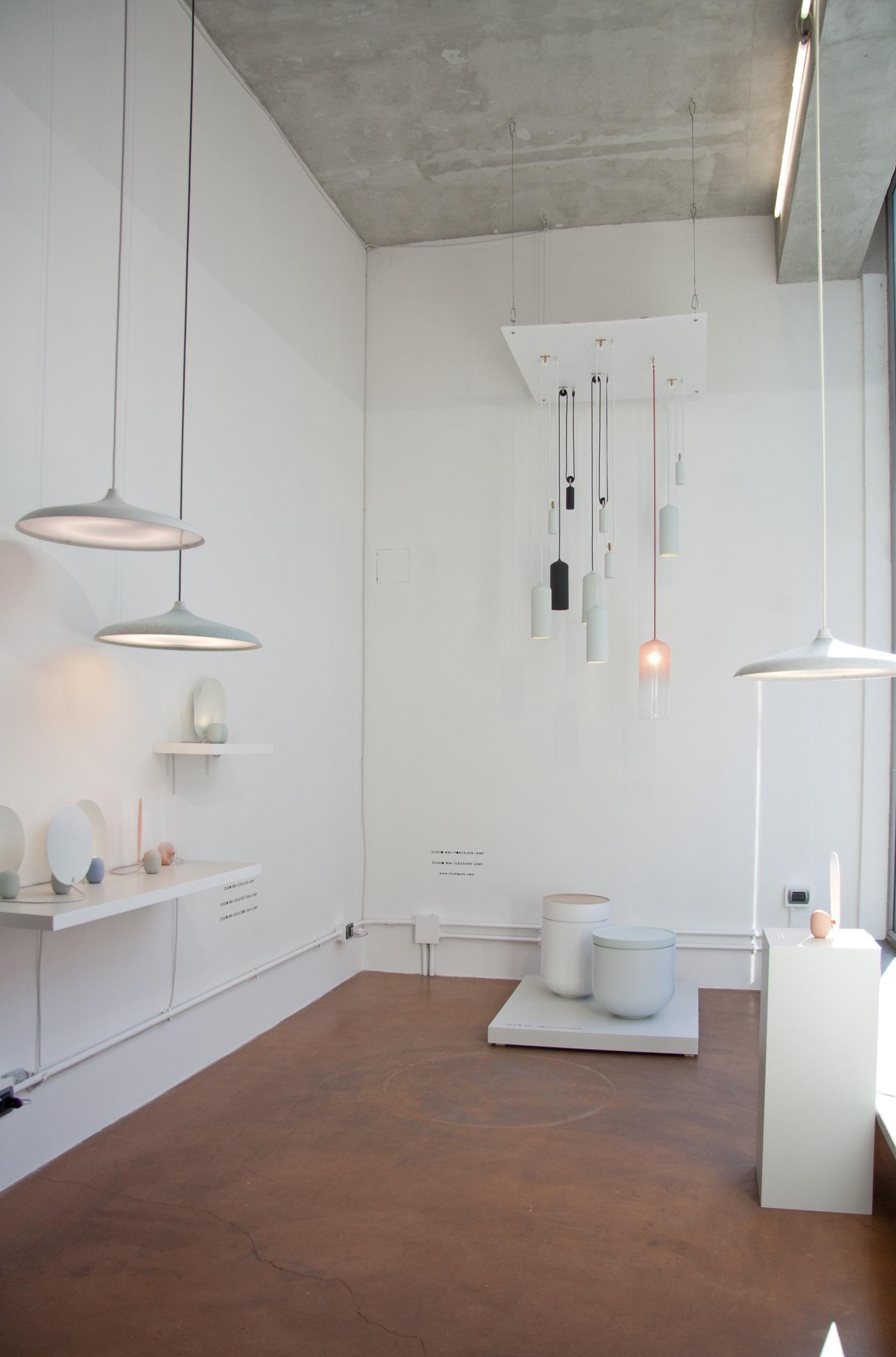 Troche bijzettafels en Circular lamp van Studio WM in Milaan