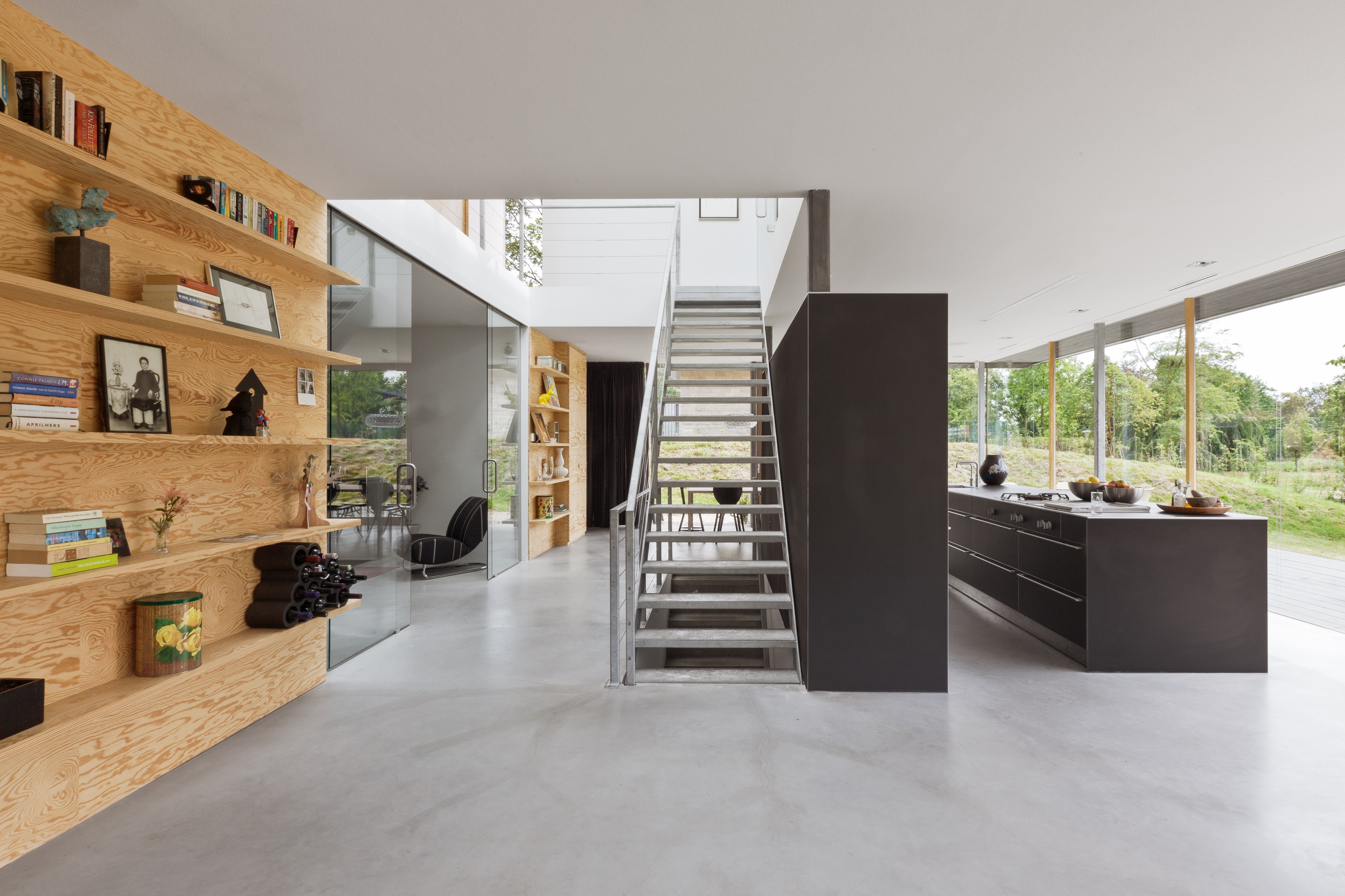 Minimalistische duurzame villa home09 van i29 interior architects en Paul de Ruiter architects