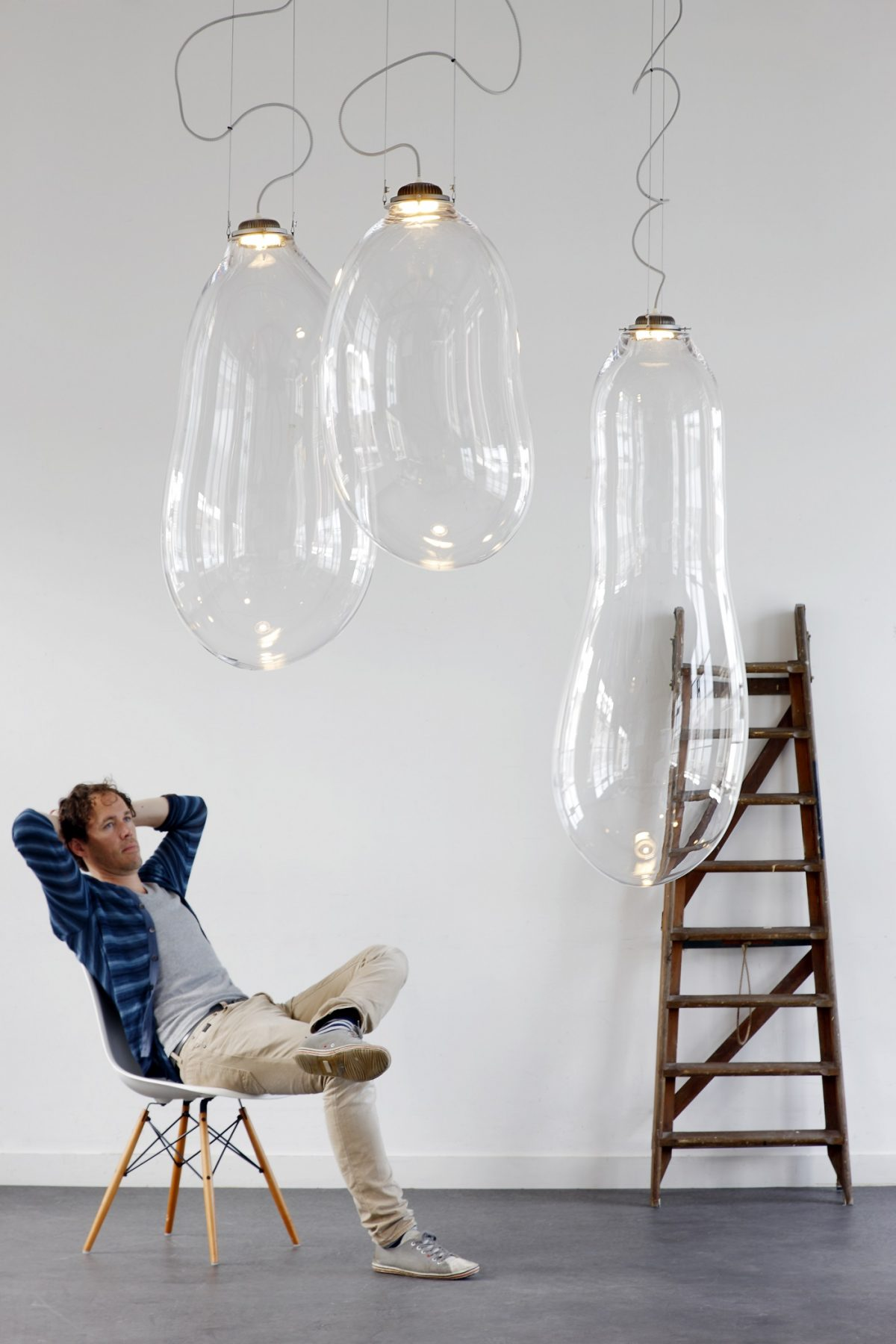 Big Bubble pendant by Alex de Witte Dutch Design lamp exclusief