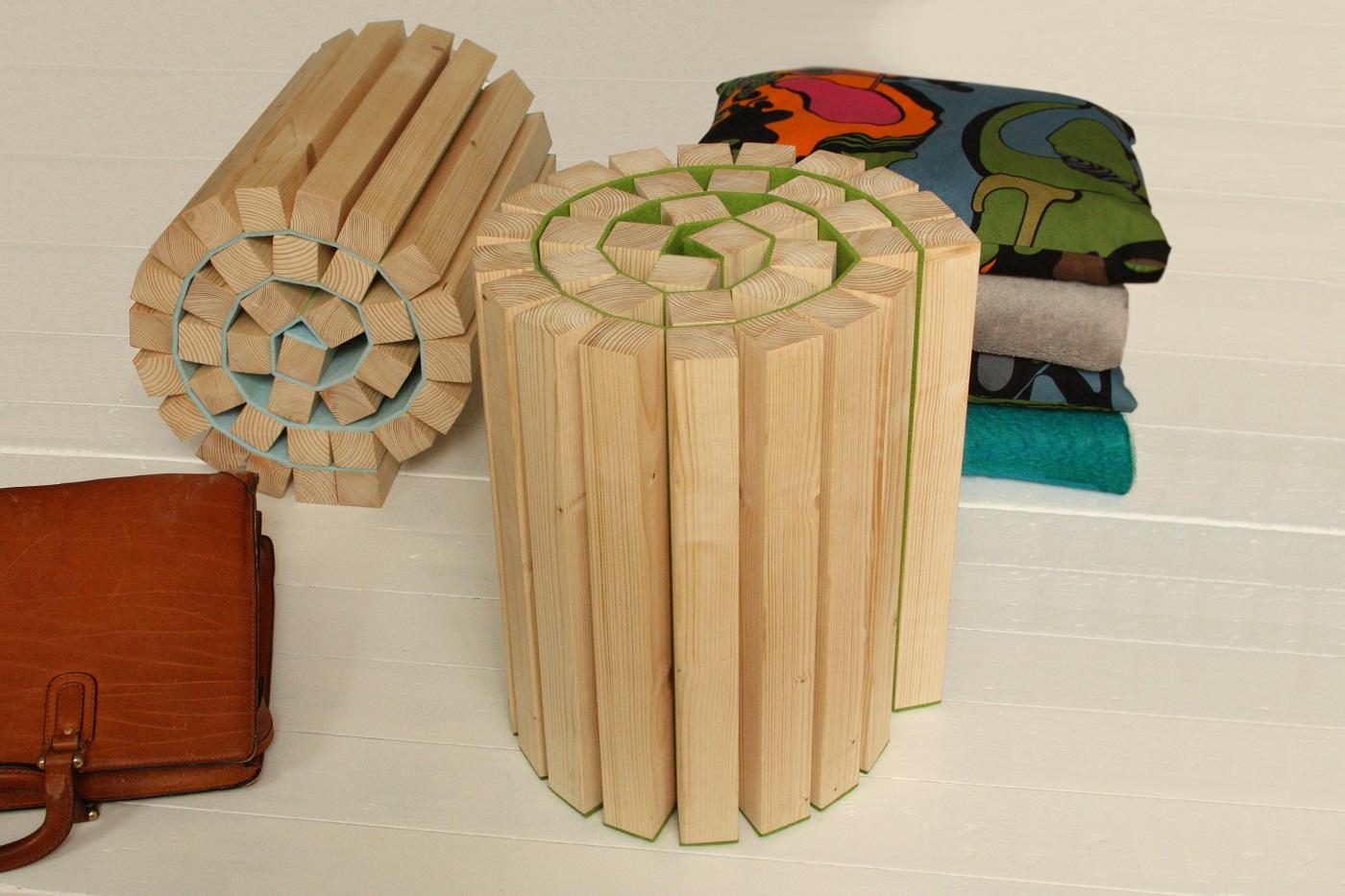 Krukje Taboeretka van Kuiken Design van vurenhout en vilt