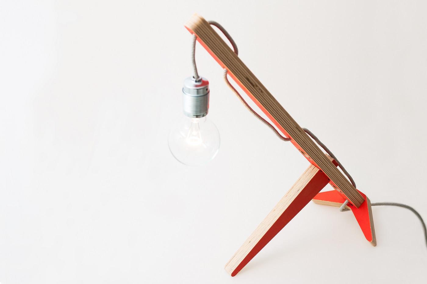 Lamp Gravity rood van Vrijling en Geluk in Gimmii Magazine