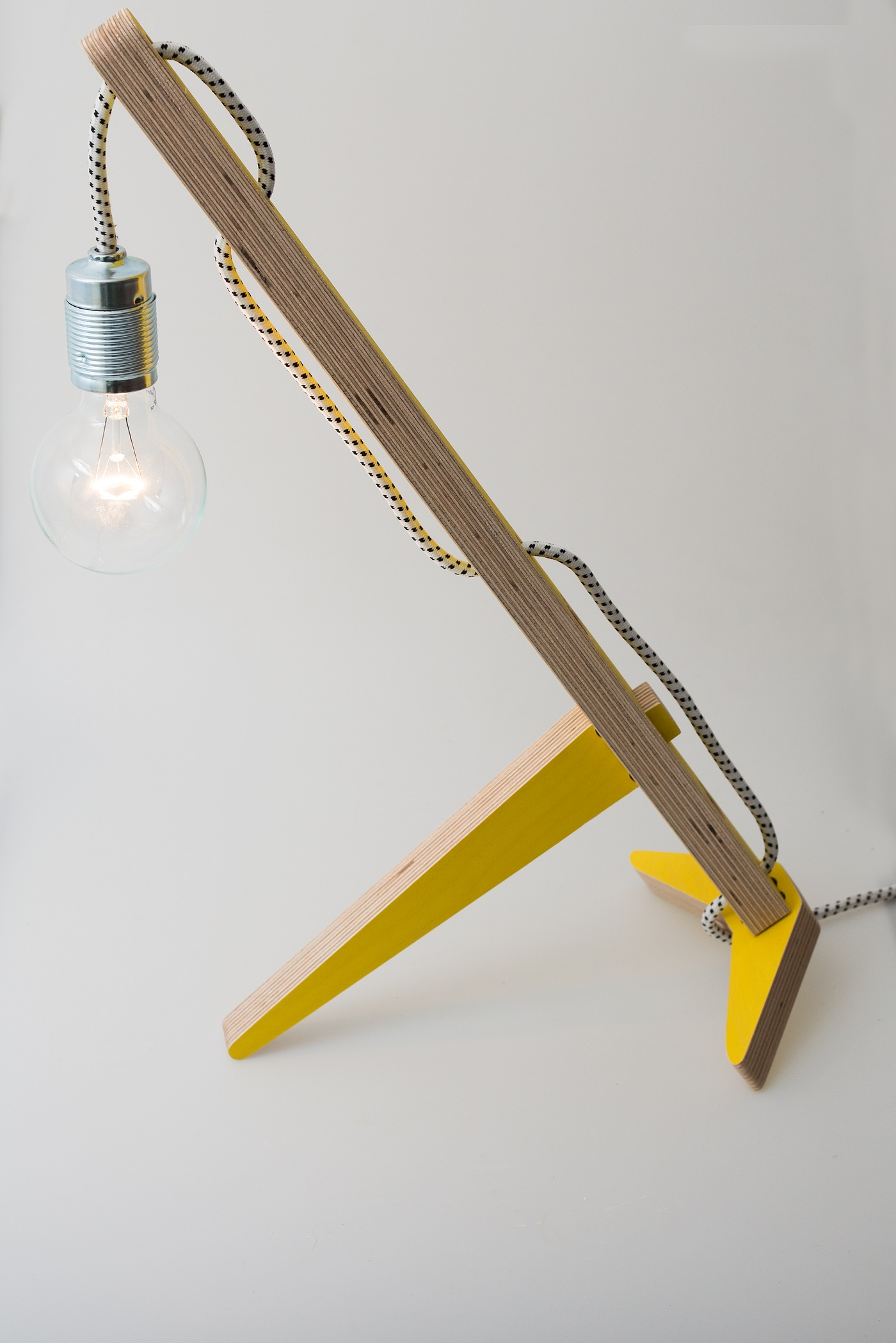 Laptopstand Gravity geel van Vrijling en Geluk