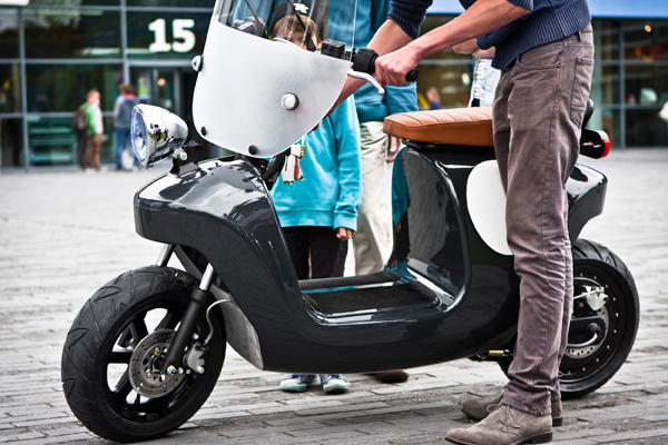 Be.e scooter van vlas en biohars van Waarmakers
