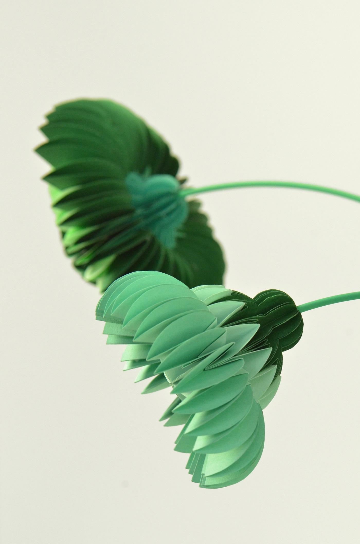 Papieren bloemen in kleur groen van Jorine Oosterhoff