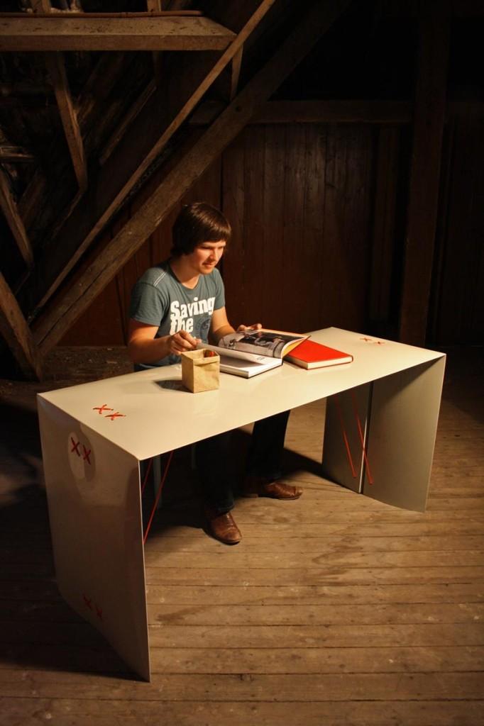 Bureau Stittie van Rene Bijsterveld passend bij stoel Zittie
