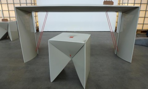 Bureau Stittie en stoel Zittie van Rene Bijsterveld vormgeving in Gimmii Magazine