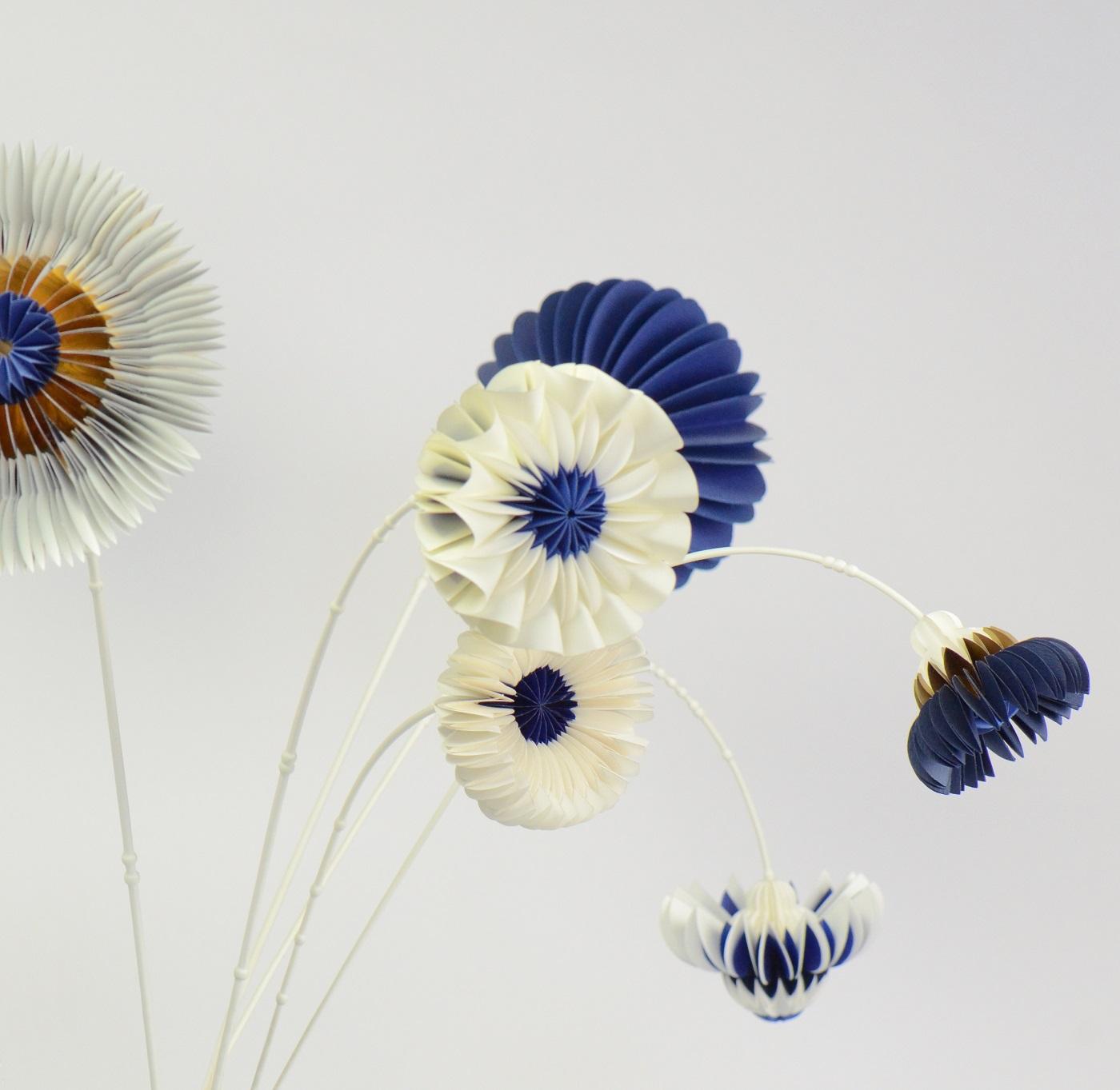 Paperflowers blauw van Jorine Oosterhoff  in Gimmii Magazine