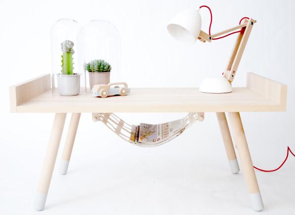 Helmut lamp wit en Serville tafel
