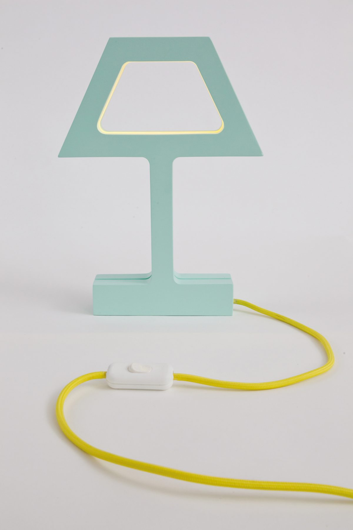Tafellamp The Missing Bulb modern groen geel snoer – Jolanda van Goor