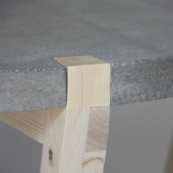 Closeup tafel beton Stolik -Kuiken Design