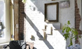 Fotoproject Strata  -Annemarijne Bax - stoel en papieren vaas Pepe Heykoop
