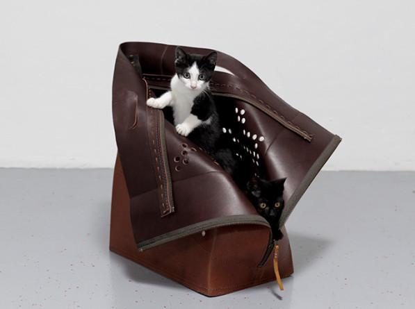 Mand en tas travelling cat - Studio Snorhaar